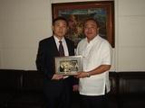 董事长与菲律宾住房署署长